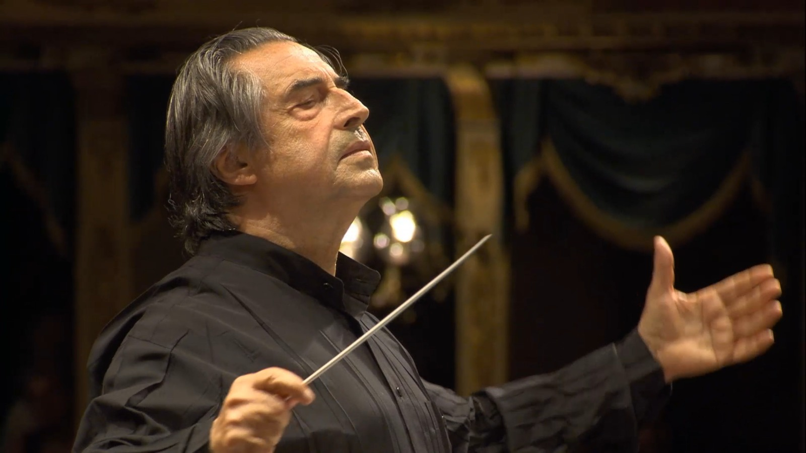Muti conducts Brahms, Chicago